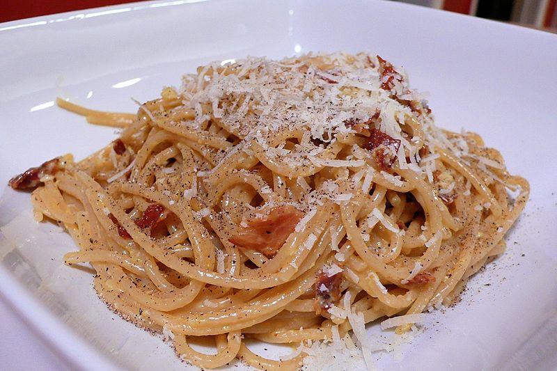 800px-Classic-spaghetti-carbonara