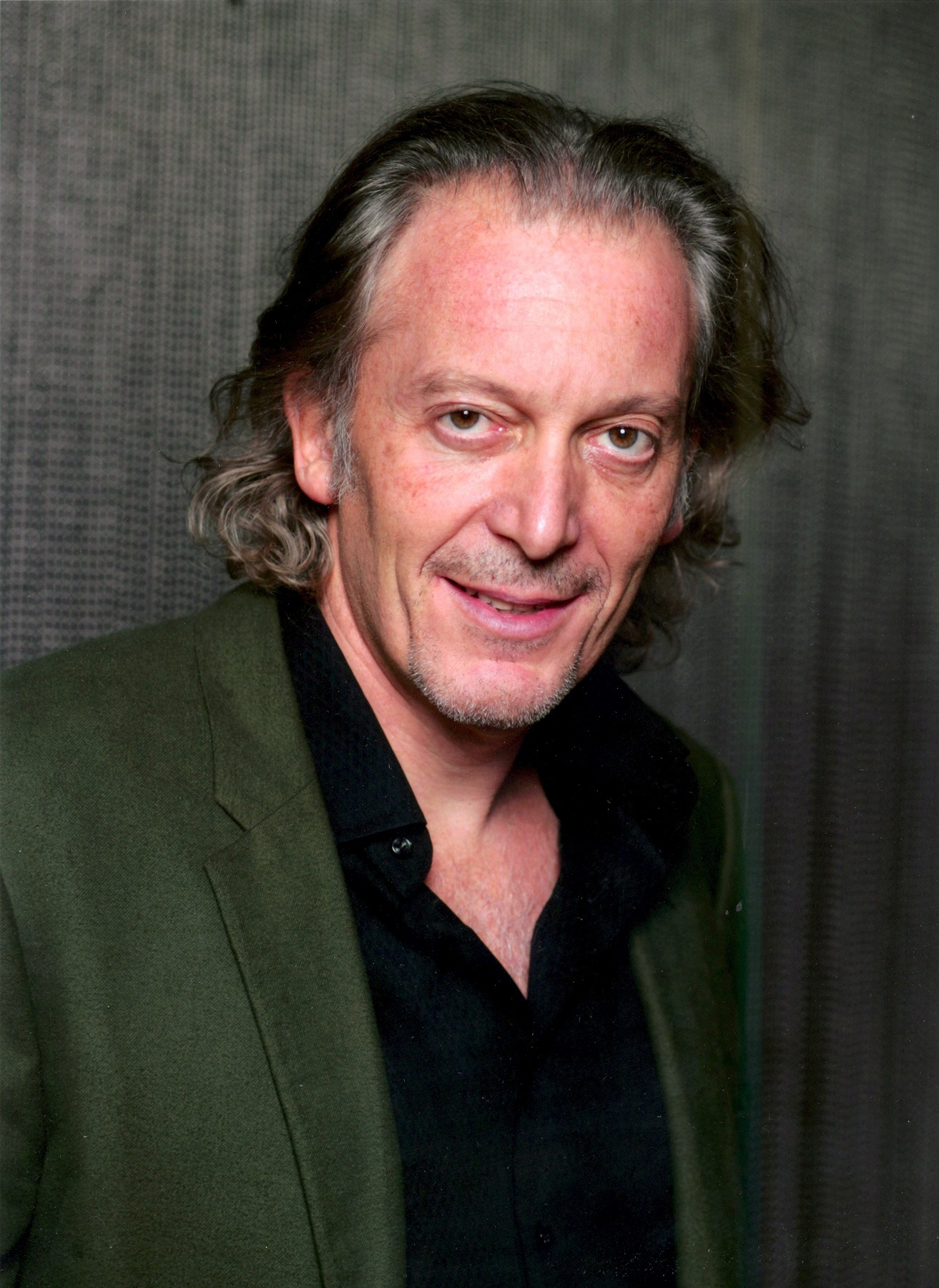 Ronald Guttman Headshot_credit_crop1